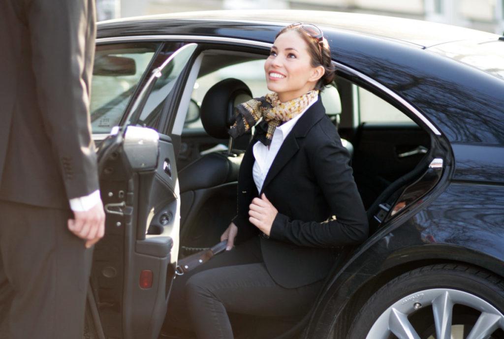 Risparmia il tuo tempo e Noleggia un'auto con Conducente a Roma