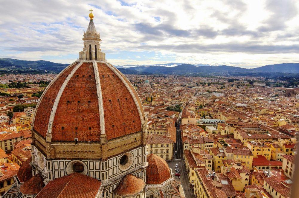 Transfer Roma/Firenze: scegli Decus e noleggia la tua auto con un click