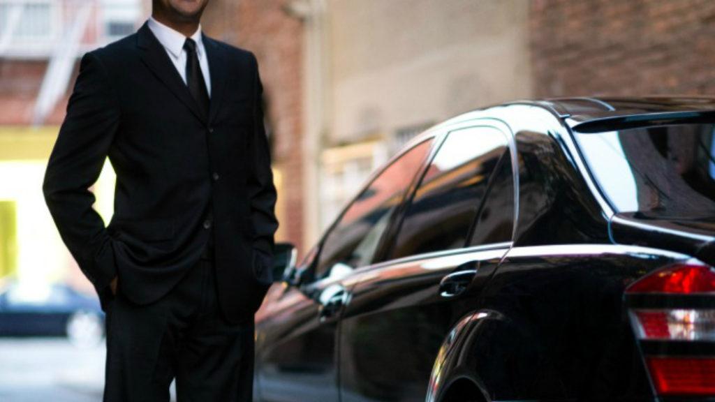 Vuoi sentirti VIP per un giorno? Prova il servizio esclusivo di noleggio auto Decus
