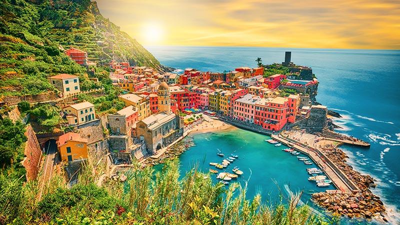 Cinque Terre, i colori della Liguria - Tour Full Day da Milano